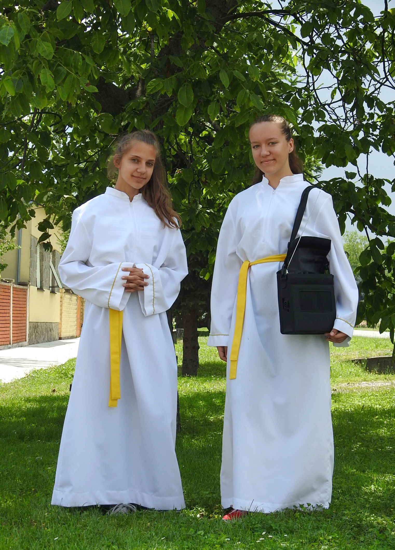 Ministrantice Gracia i Marija - Tijelovo 2019 (Markovac Našički) (slika 2) - 20.6.2019.